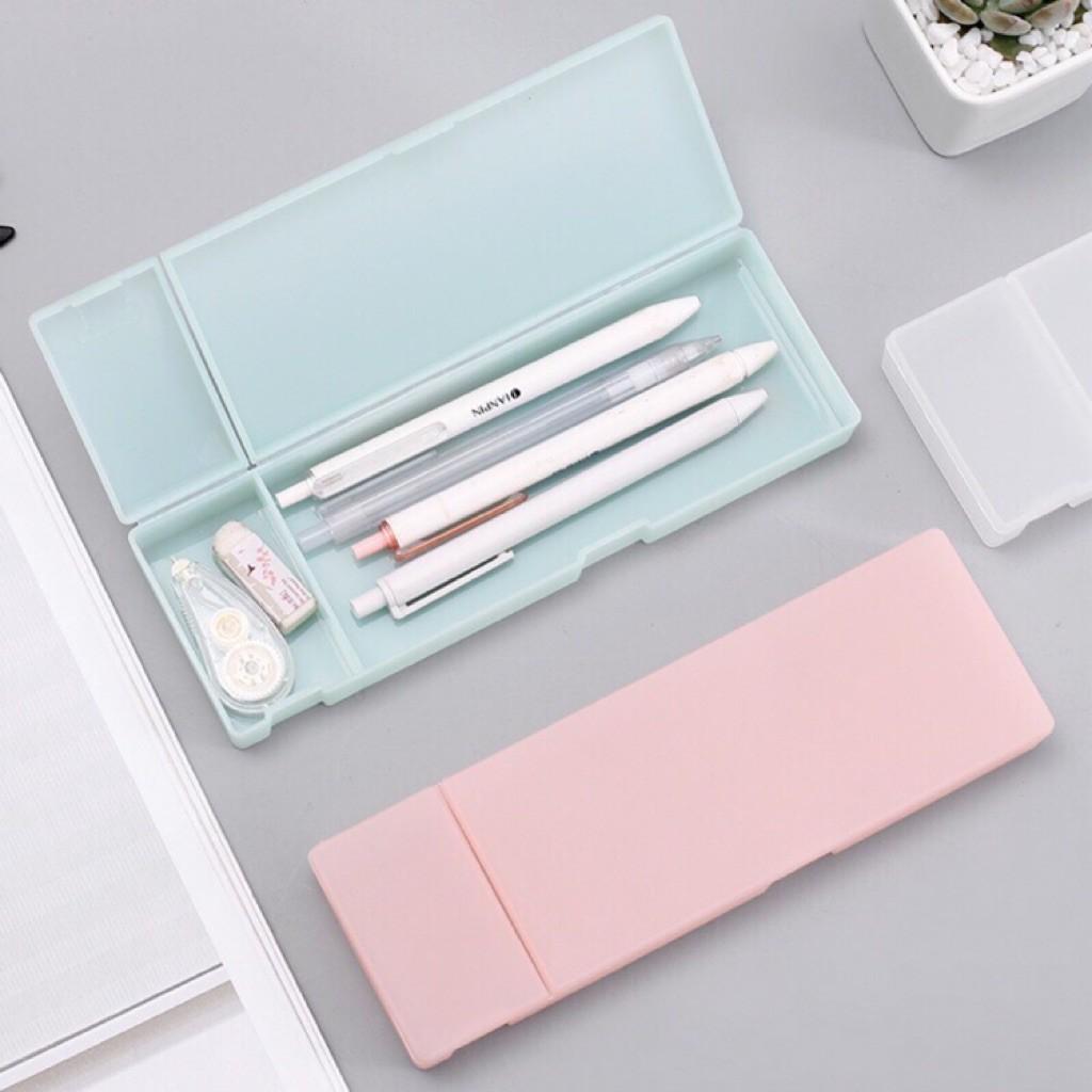 gia công hộp bút nhựa nhiều màu